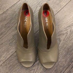 Nine West peep toe woman's booties